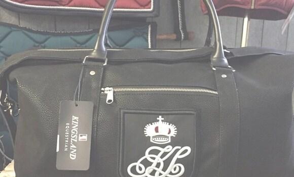 Väskor för ryttare - Köp online - Hogsta Ridsport 68da4c6a69ed5