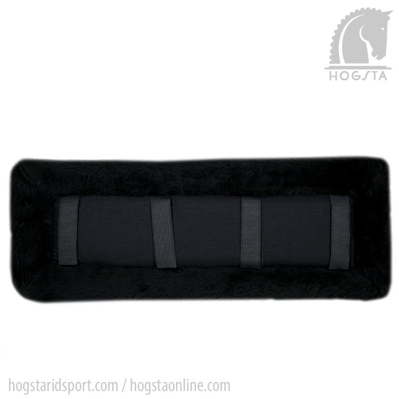 Selunderlägg i tjock akrylpäls från Globus svart. Hogsta Ridsport.