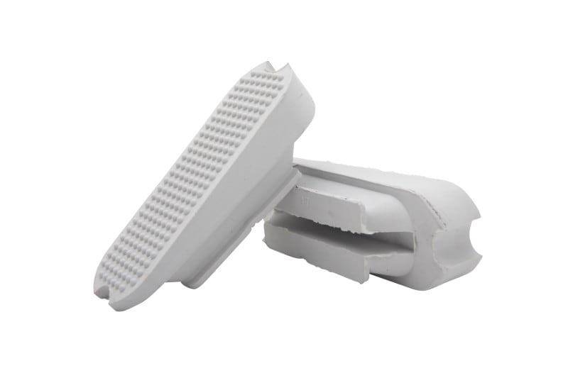 Angled stirrup treads - White