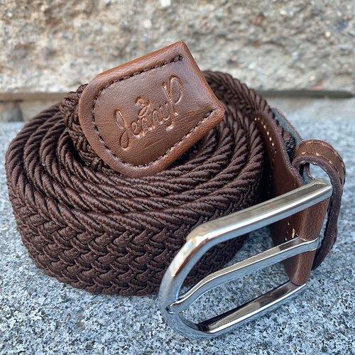 Mörkare brunt elastiskt skärp med bruna läderdetaljer från Jenny P Hogsta Ridsport.
