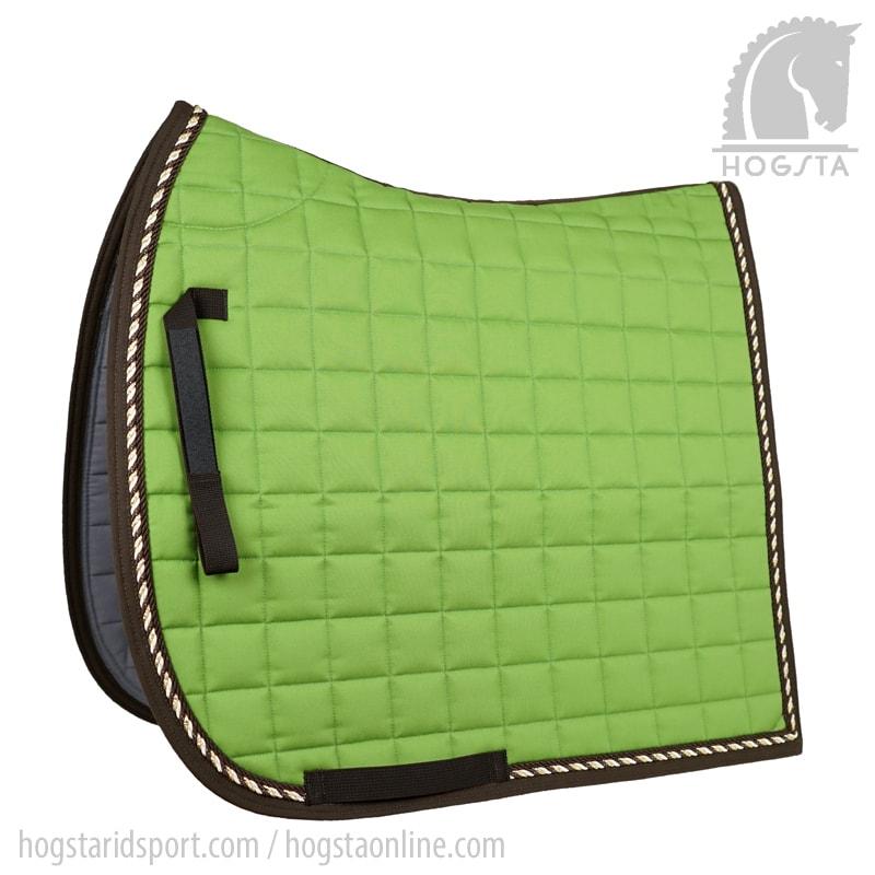 Ärtgrönt dressyrschabrak med passpoal i brunt guld och vanilj från Mias Hogsta Ridsport.